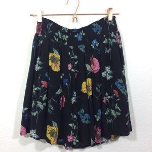 Old Navy floral skirt - Size large